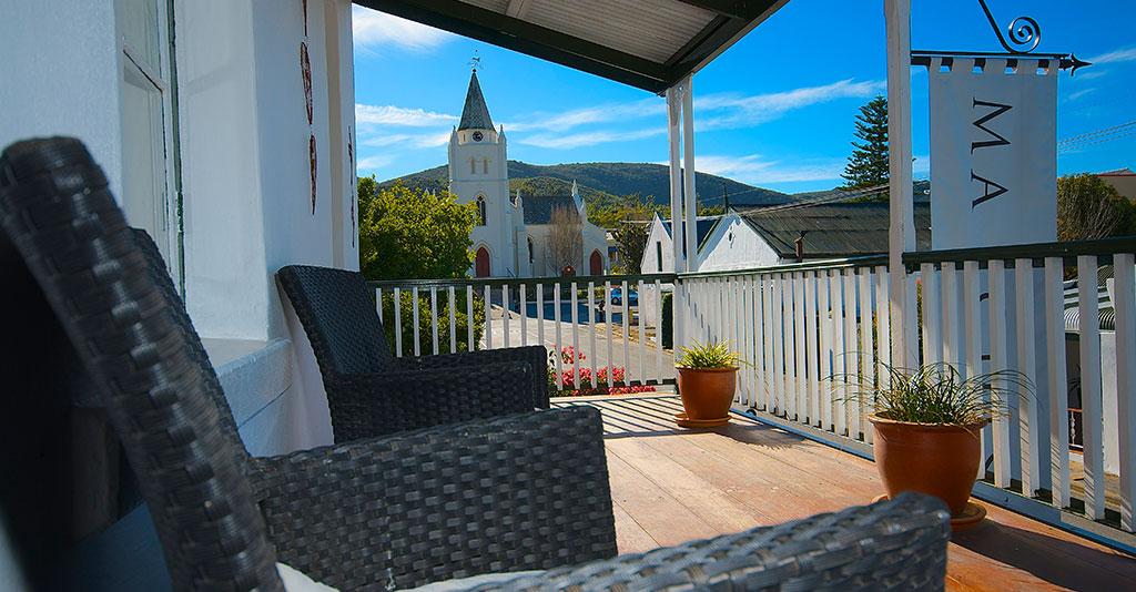Mimosa veranda